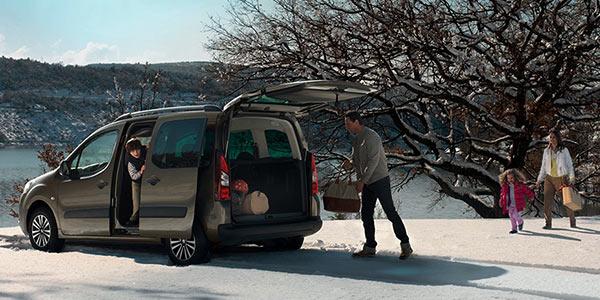 renault kangoo citroen berlingo peugeot partner et volkswagen caddy des familiales comp titives. Black Bedroom Furniture Sets. Home Design Ideas