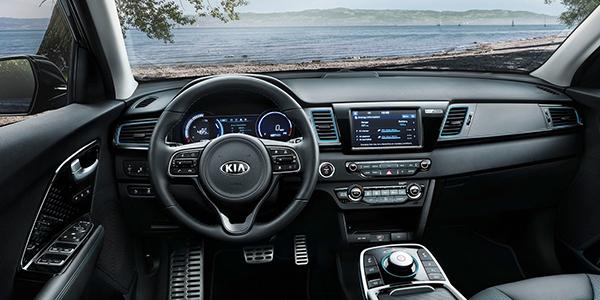Top voitures electriques familiales Kia e-Niro interieur