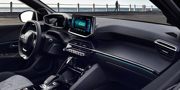 Peugeot e208 intérieur