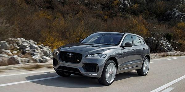 le suv haut de gamme jaguar f pace se mesure au range rover velar. Black Bedroom Furniture Sets. Home Design Ideas