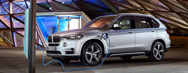 bmw x5 xdrive 40 e hybride rechargeable et exigeante. Black Bedroom Furniture Sets. Home Design Ideas