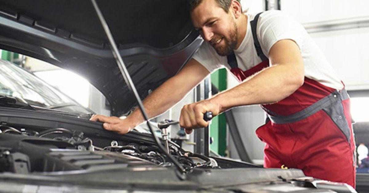 Pourquoi se rendre dans un garage solidaire pour l 39 entretien de son v hicule - Vendre son vehicule a un garage ...